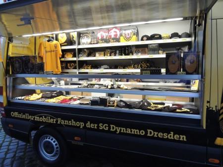 Fanmobil Dynamo Dresden, Theke